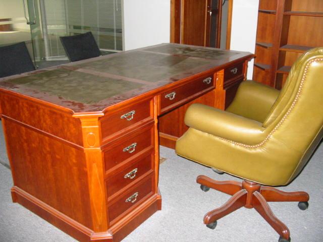 大量回收办公家具 .保险柜高低床文件柜回收