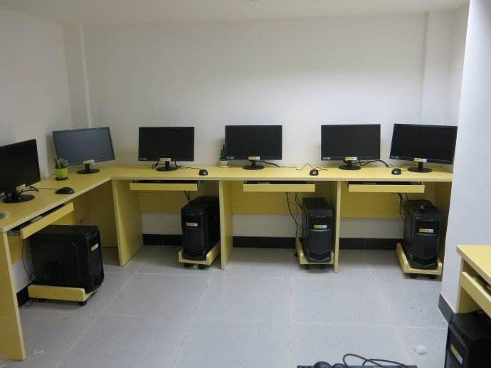 杭州餐饮设备回收.滨江说成专业回收电脑设备.利友放假物资回收