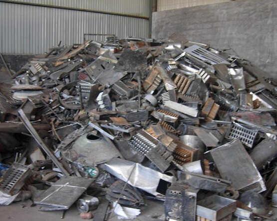 余姚回收废铁 大量废品,报废机械