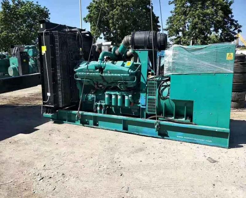 中山横栏高价收购重庆康明斯发电机 回收柴油发电机组一览表