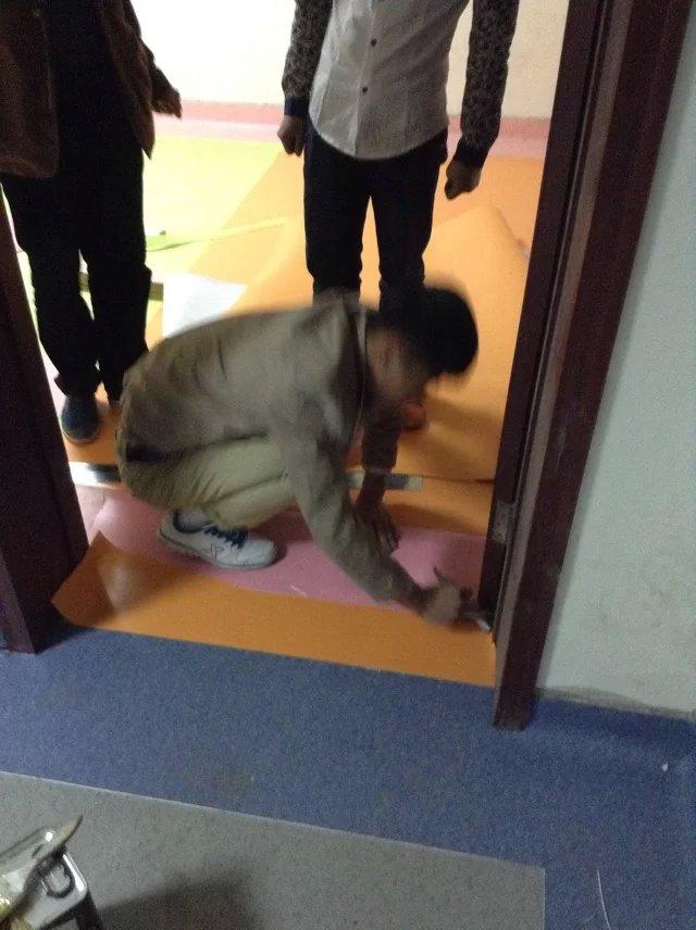 天津塑胶地板