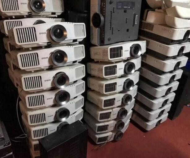 东莞长期笔记本电脑、各种投影机、电脑及配件