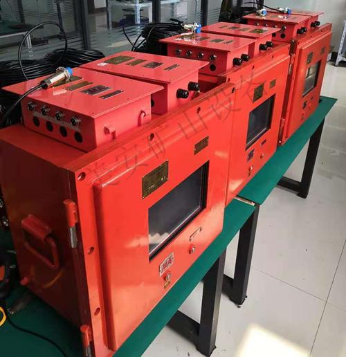 煤矿提升机闸瓦间隙温度振动监测装置